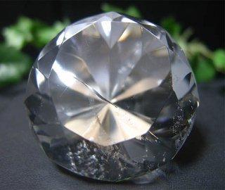 ラウンドブリリアンカット(レインボー水晶1)