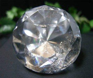 ラウンドブリリアンカット(レインボー水晶2)