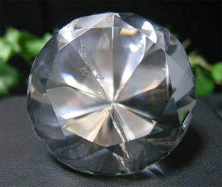 ラウンドブリリアンカット(レインボー水晶8)
