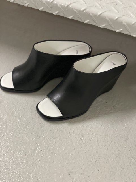 LEATHER  MULES (OPEN TOE)