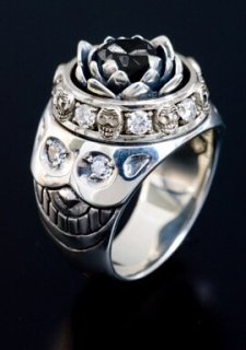 LOTUS RING / BLACK CZ