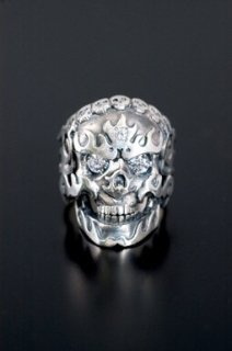 FLAMING MONK SKULL RING / CLEAR CZ