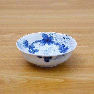 染付和ぶどう四寸小鉢