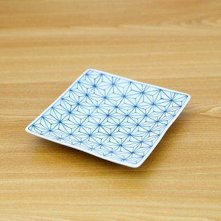 染付描き麻の葉紋正角皿