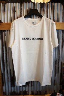 BANKS JOURNAL LABEL STAPLE TEE SHIRT (OFF WHITE)