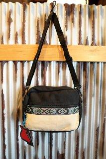 BUMBAG OAKER Compact XL Shoulder Bag (Tan)