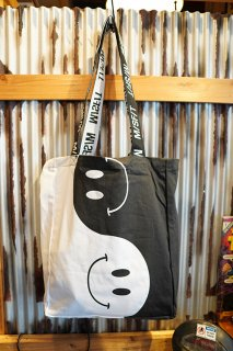 MISFIT SHAPES Piece of Peace Tote Bag (Black)
