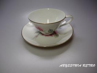 ノリタケ ピンクの大きな薔薇のカップ&ソーサー