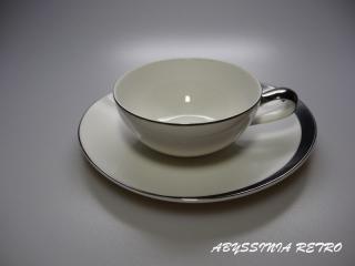 SANGO モノトーンのレトロモダンなカップ&ソーサー