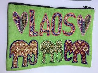 ポーチ 薄いグリーン LAOS刺繍