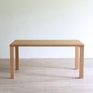 リーズナブルな価格が嬉しい、3サイズから選べるダイニングテーブル