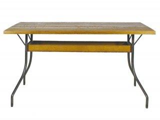 脚のデザインが特徴的なLDテーブル
