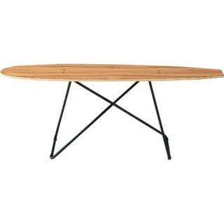 スケートボードデッキをデザインしたテーブル