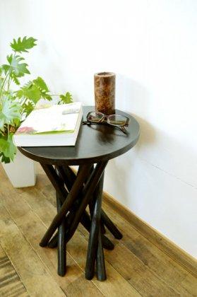 ARチークの根の花台サイドテーブル(ダークブラウンカラー)