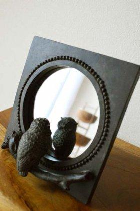 のぞき見フクロウの置き鏡(ブロンズ調)