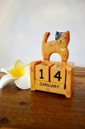 ネコのカレンダー(キューブタイプ 三毛猫タイプ)
