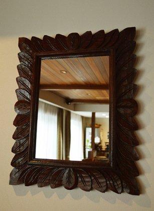 バリ島のリーフ彫刻ミラー