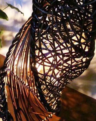 アタとラタンのネジレランプ 花台付 (M)