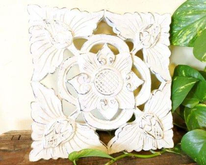 バリ島のウッドレリーフ 20×20(お花柄/ホワイト)