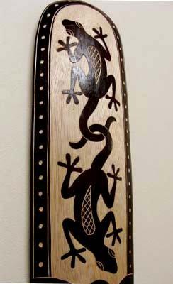 バリ島のスカルプマスク トカゲ柄