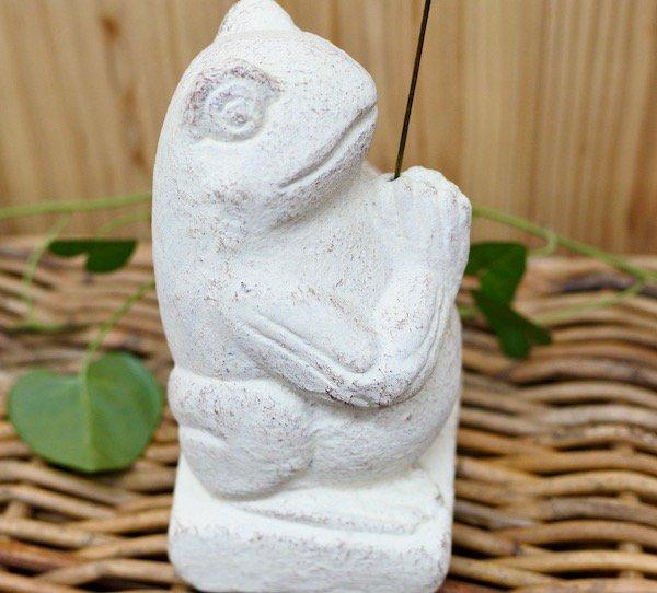 カエルの石像お香立て