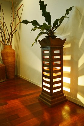 ZEN古木チーク材ルーバーランプ(花台タイプ)
