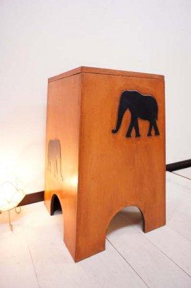 【1月中旬入荷予定】ゾウの収納スツール