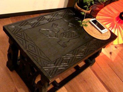 ロンボク彫刻テーブル(M)