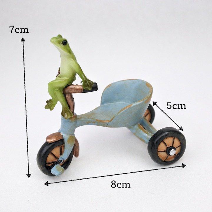 三輪車カエル