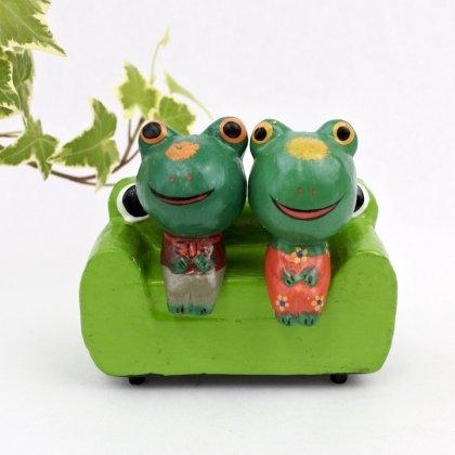 カエル型ソファカエルカップル
