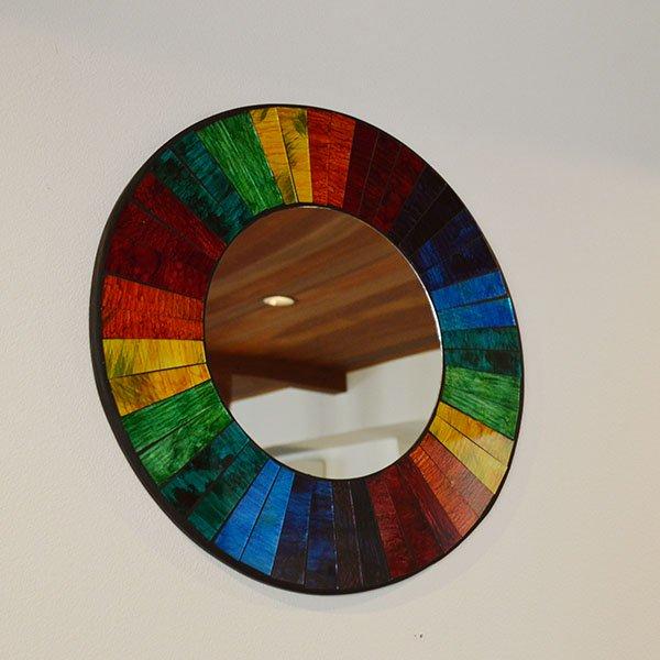 モザイクガラスの壁掛けミラー(ラウンド40�・レインボー)