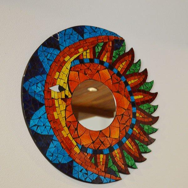 モザイクガラスの壁掛けミラー(月と太陽40�)