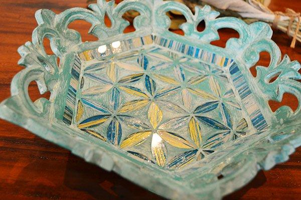 バリ島の彫刻トレイ(ヘキサゴン モザイクガラス)