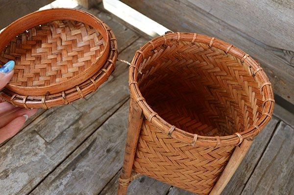 ロンボク島の4本足ミニバスケット蓋付(トイレットペーパー収納にも♪)