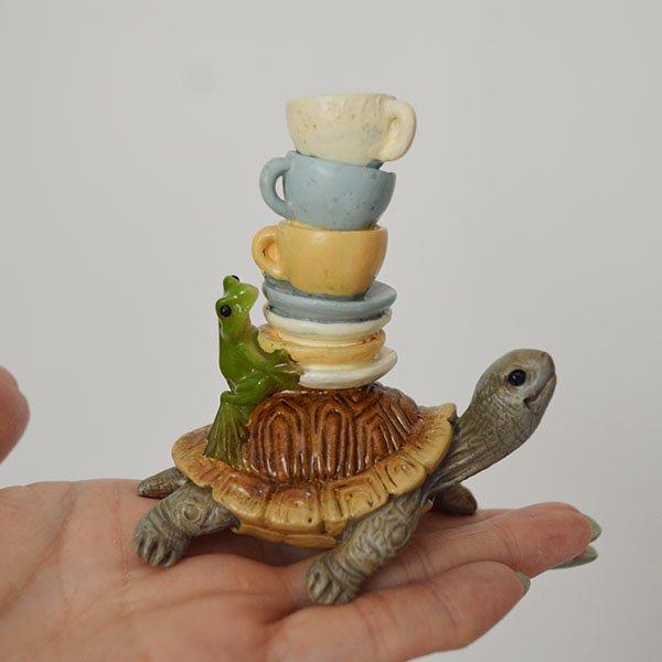 カメとカエルとぐらぐらカップ