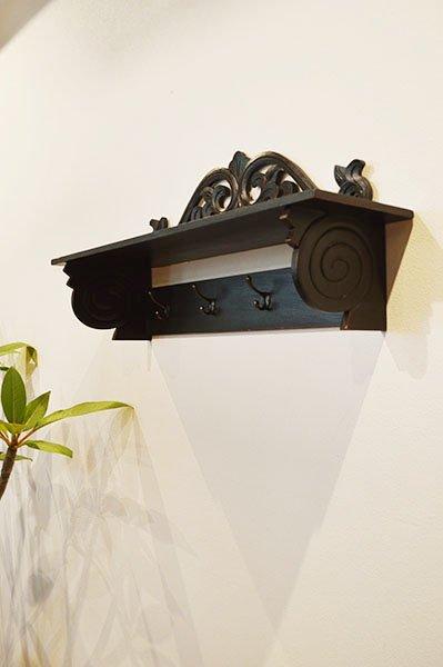 バリ島のレリーフ彫刻ハンギングラック(70� 4個フック真鍮タイプ)