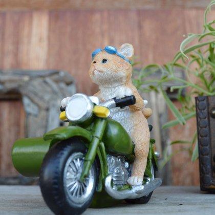 サイドカー乗りネコ