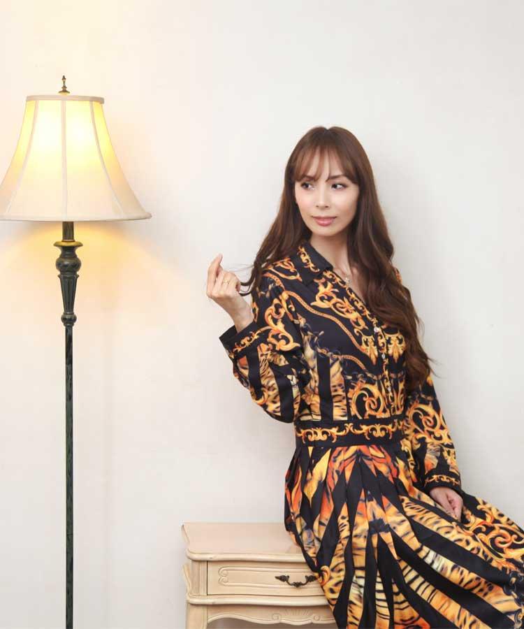 イタリア FASHION WEEK ファッションウィーク / シャツワンピ風 ロング丈 ワンピース / ロココ柄 黒 オレンジ / 42 (M〜L) サイズ