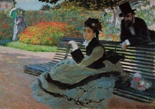 庭園のベンチにいるカミーユ・モネ