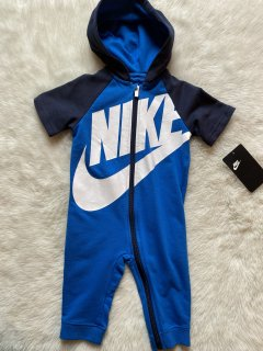 <img class='new_mark_img1' src='https://img.shop-pro.jp/img/new/icons17.gif' style='border:none;display:inline;margin:0px;padding:0px;width:auto;' />9-12m☆NIKE つなぎ ロンパース