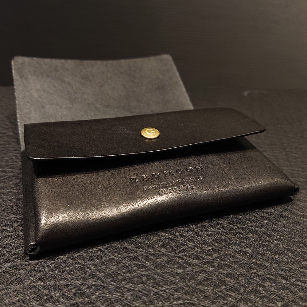REDMOON GHOST-MW【焼印】一枚革を折り紙のように折って仕立てた、スリムでシンプルなミニウォレットです。