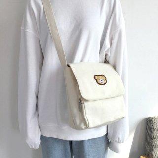 クマさんが可愛い♪容量たっぷりな四角いメッセンジャーバッグ(全2色)