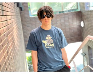 <img class='new_mark_img1' src='https://img.shop-pro.jp/img/new/icons13.gif' style='border:none;display:inline;margin:0px;padding:0px;width:auto;' />DOGU Tシャツ