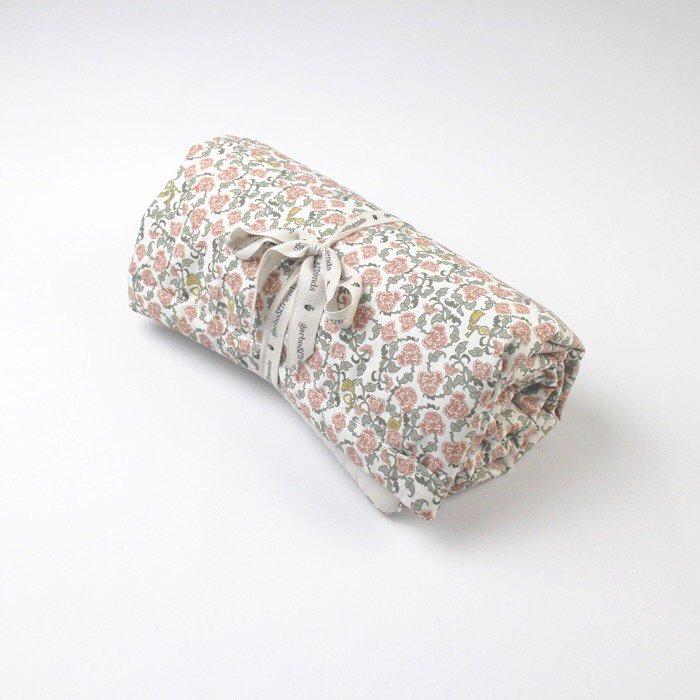 中綿入りブランケット Floral Vine Filled Blanket