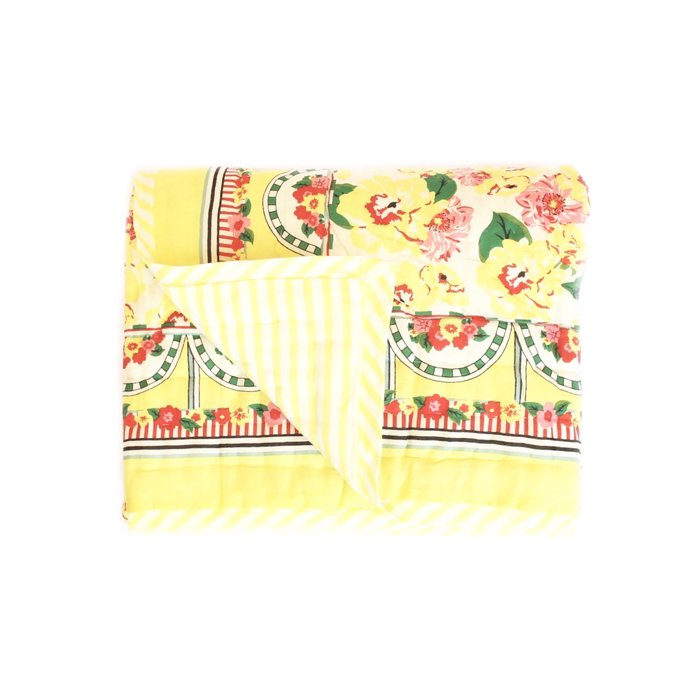 <img class='new_mark_img1' src='https://img.shop-pro.jp/img/new/icons8.gif' style='border:none;display:inline;margin:0px;padding:0px;width:auto;' />Quilt spred/Brazilian flowers sarong