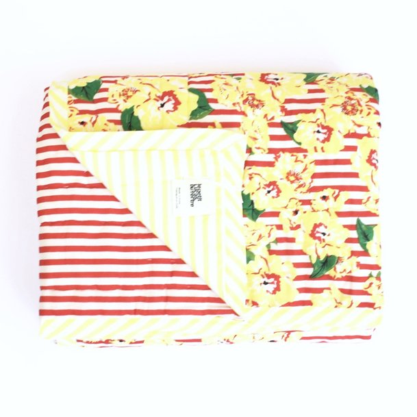 <img class='new_mark_img1' src='https://img.shop-pro.jp/img/new/icons8.gif' style='border:none;display:inline;margin:0px;padding:0px;width:auto;' />Quilt spred/Brazilian stripped sarong/M