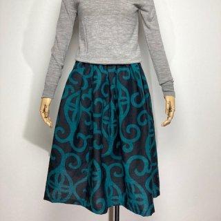 【着物リメイク】タック&ギャザースカート/濃紺地にグリーン抽象柄