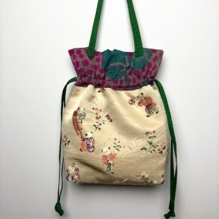 【着物・帯リメイク】巾着トートバッグ/クリーム地に童子の刺繍・銘仙