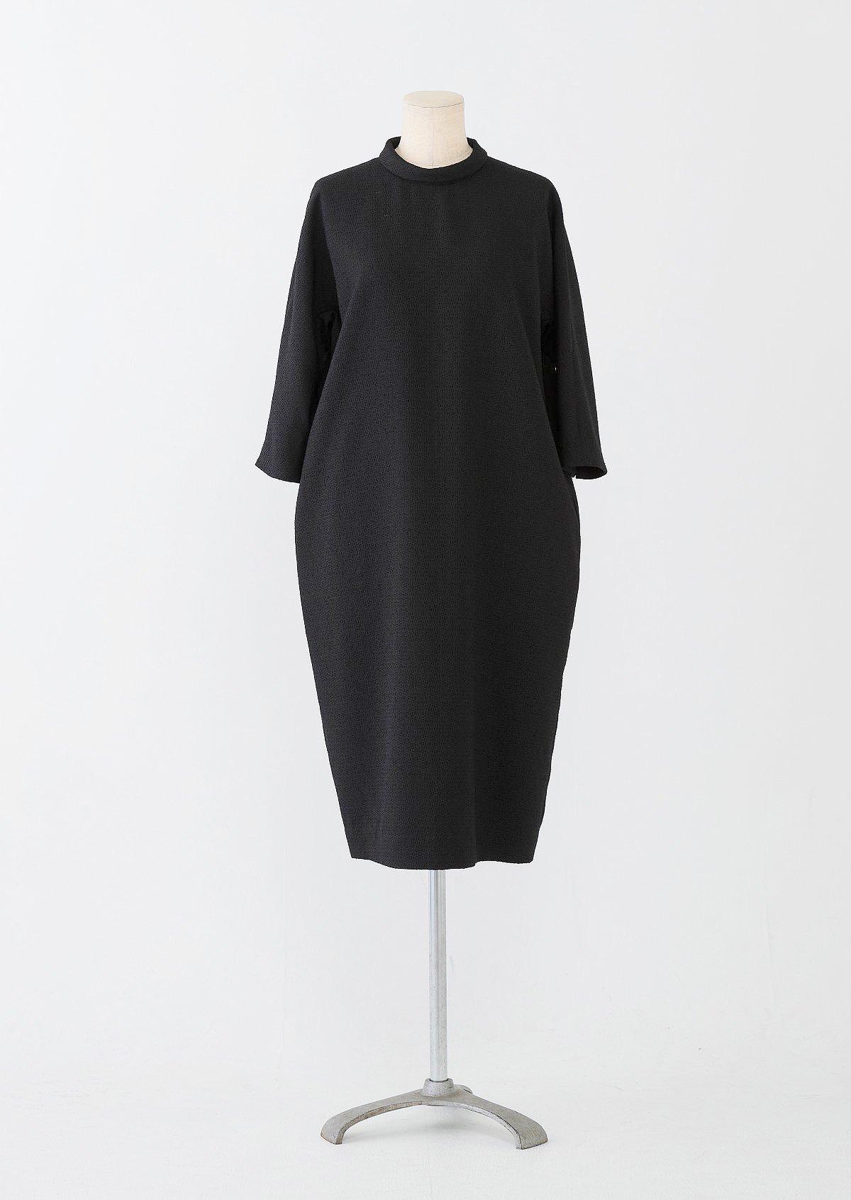 ブラックロールカラードレス