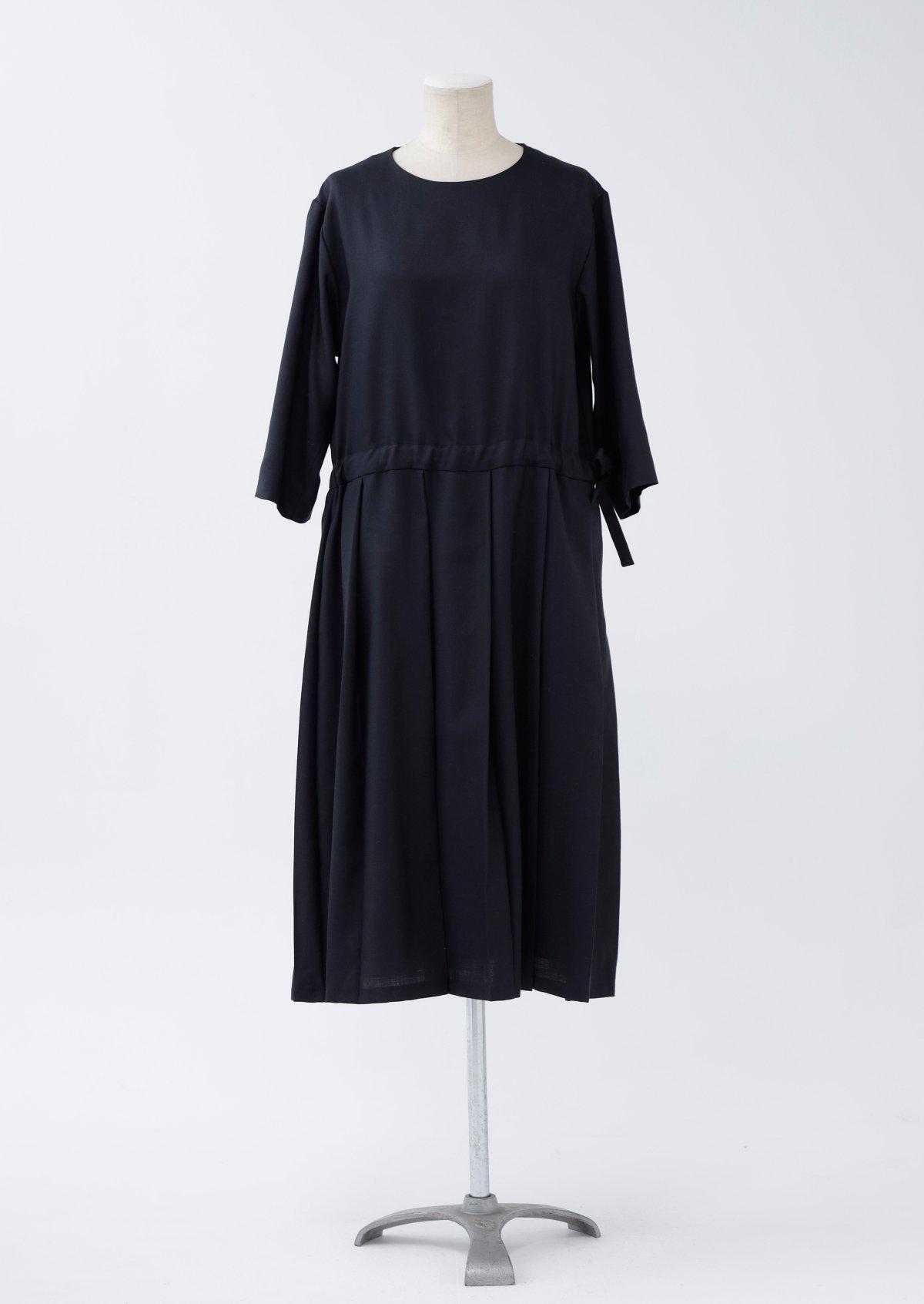 フィールドドレス